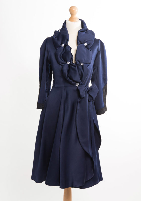 collar-blue-front